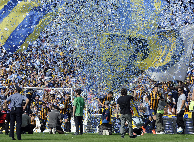 Central vuelve al ruedo ante su gente en un amistoso contra Cerro en el Gigante. (Gustavo de los Rios / LaCapital)