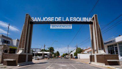 Pórtico de ingreso a San José de la Esquina.