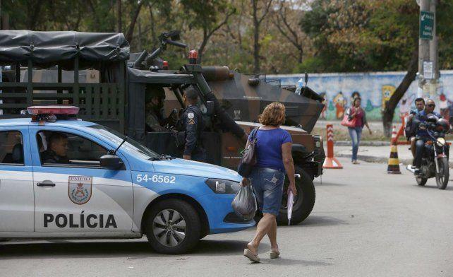 La policía rodeó el templo bautista en Paracatú