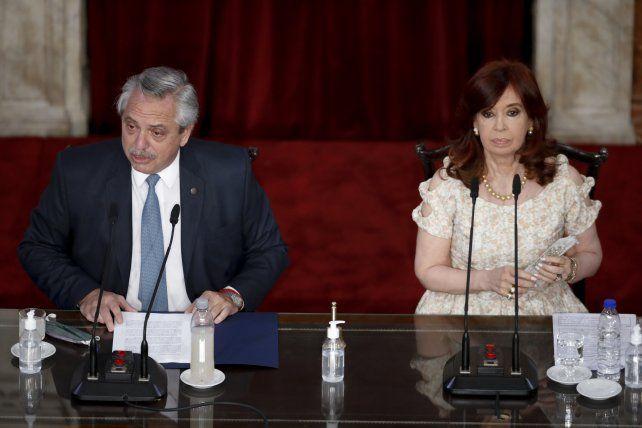 Alberto abrió las sesiones ordinarias del Congreso y Cristina presidió la Asamblea Legislativa.