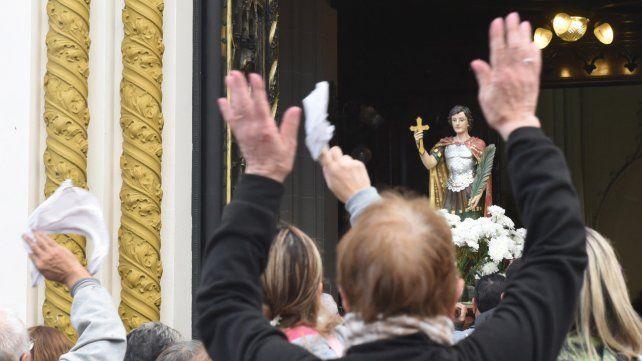 Alabanza. Los fieles rindieron culto ayer al patrono de las causas justas y urgentes.