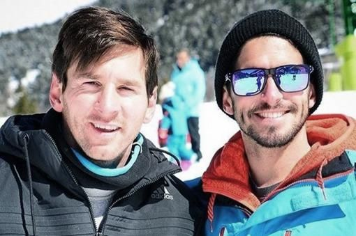 Leo junto a su amigo Leandro Adorna.