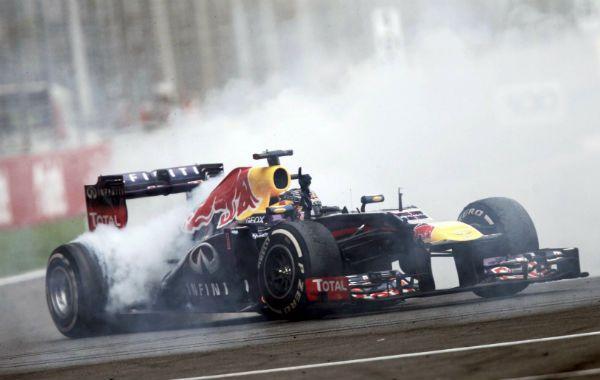 Encendido. Vettel hizo el derrape