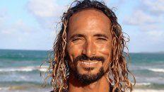 El surfer asesinado recibe muestras de cariño en las redes sociales.