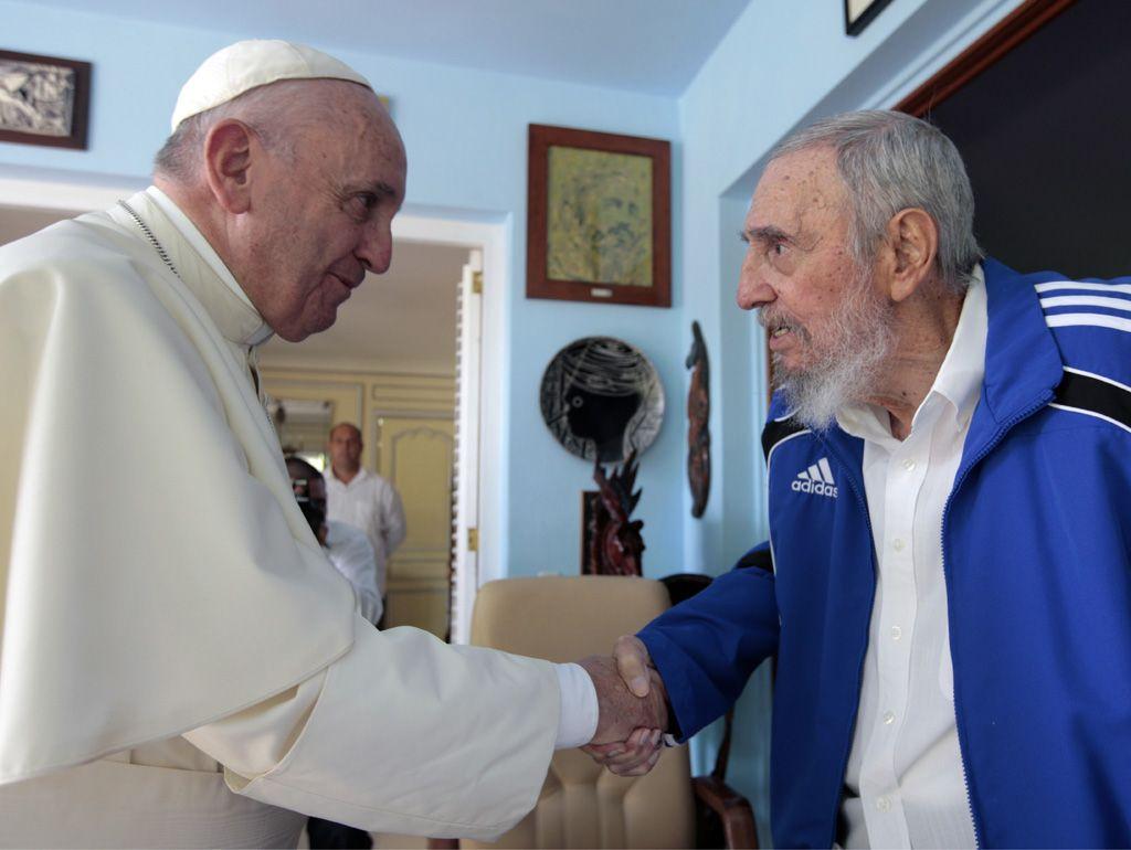 El Papa y el líder revolucionario hablaron de política mundial y problemas del medio ambiente.