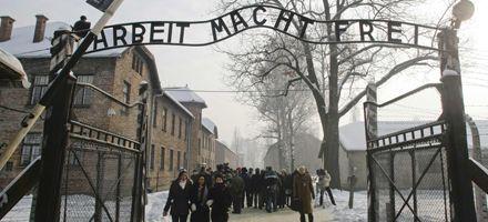 El presidente israelí llamó a castigar a los responsables del Holocausto