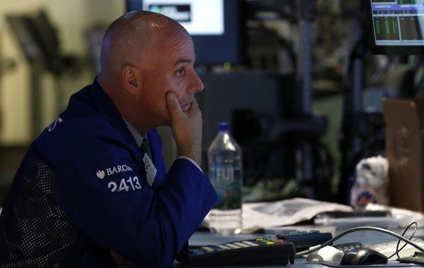 Zona roja. Los operadores bursátiles temen turbulencias en los mercados.