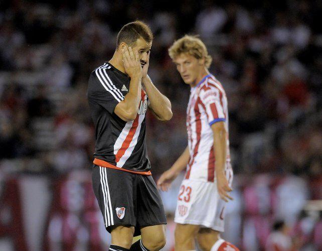 River empató sin goles con Unión, decepcionó a su gente y quedó lejos