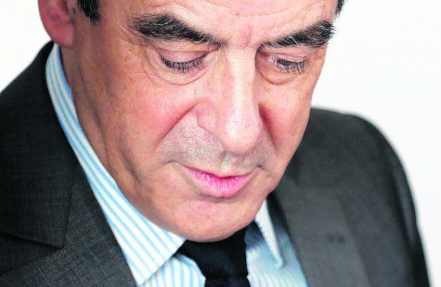 Contra las cuerdas. Francois Fillon optó por un cerrado mutismo.