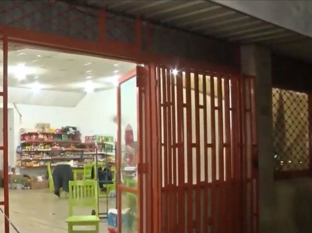 Un nene de 8 años resultó herido en una balacera contra una distribuidora frente a la terminal