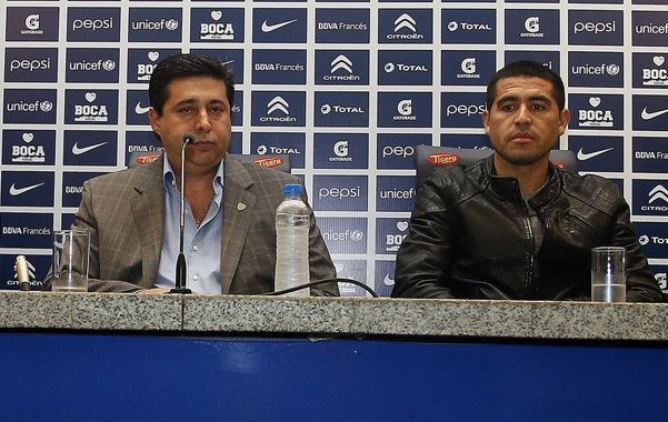 Pesos pesados. El presidente aseguró que analizará múltiples factores para determinar si Juan Román seguirá en el club.
