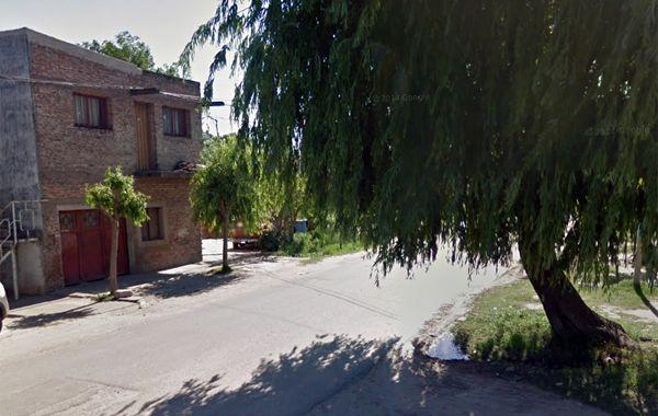 Claudio Rossi estaba fumando en la puerta de su casa en barrio San Lorenzo cuando recibió un balazo mortal.