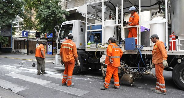 Es inviable implementar tres carriles, los anchos de las calles no lo permiten