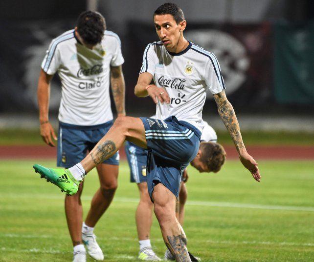 Ángel Di María en un entrenamiento de Argentina en Singapur.