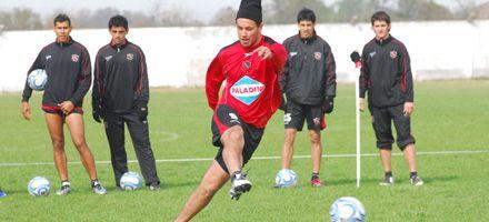 Gamboa mostró el equipo que tiene en mente para debutar en el Coloso