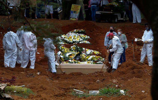 La pandemia hace trizas la demografía de Brasil: cayó la expectativa de vida en San Pablo