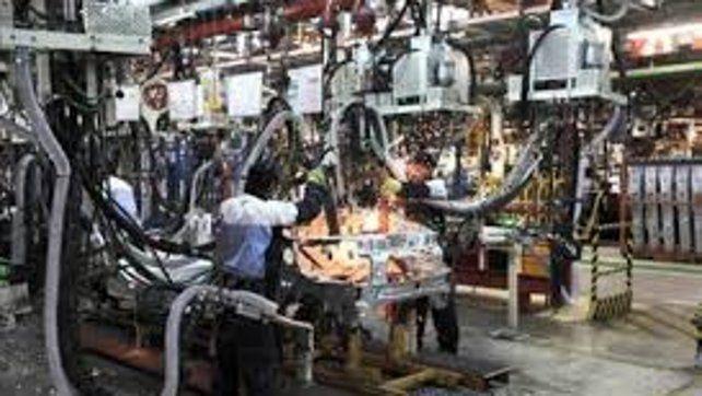 El empleo industrial bajó 4,6 por ciento en octubre