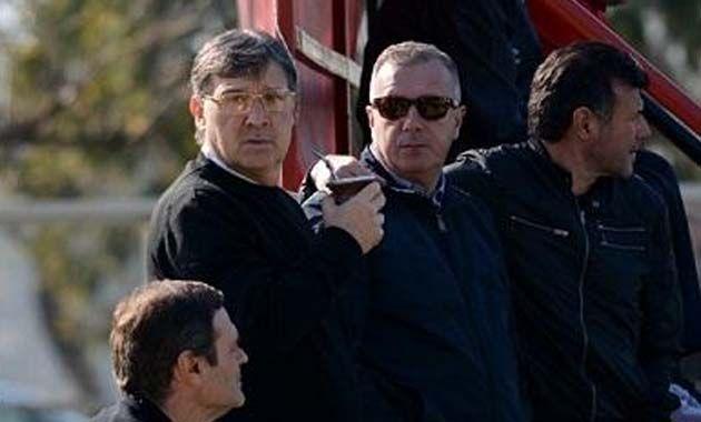 La semana pasada el Tata Martino estuvo en Bella Vista viendo a los juveniles de Newells contra Huracán.