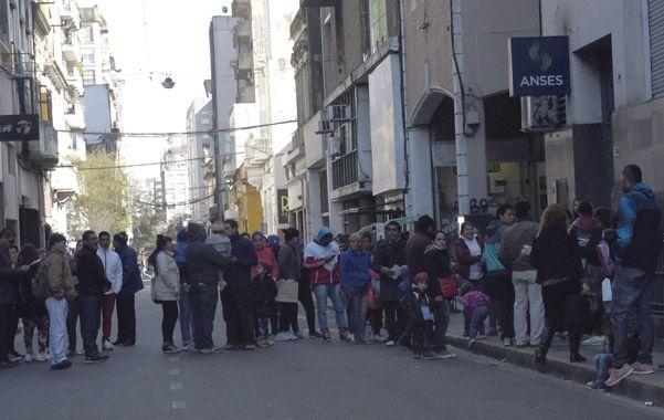 Quienes llegaron ayer hasta Ansés cortaron el tránsito por Rioja. Adentro