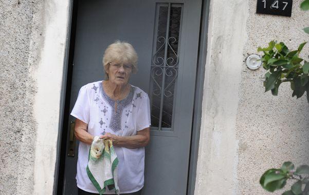Asustada. Doña Irma dijo que tras los insultos y las amenazas se acordó del revólver que le dejó su difunto marido.