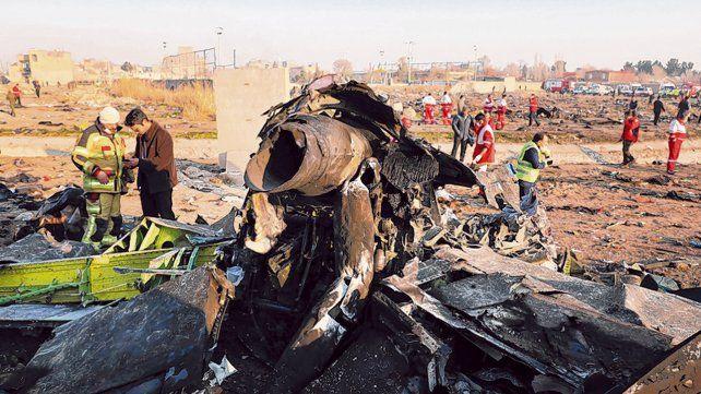 sin sobrevivientes. Entre los restos se habrían hallado fragmentos de dos misiles rusos.