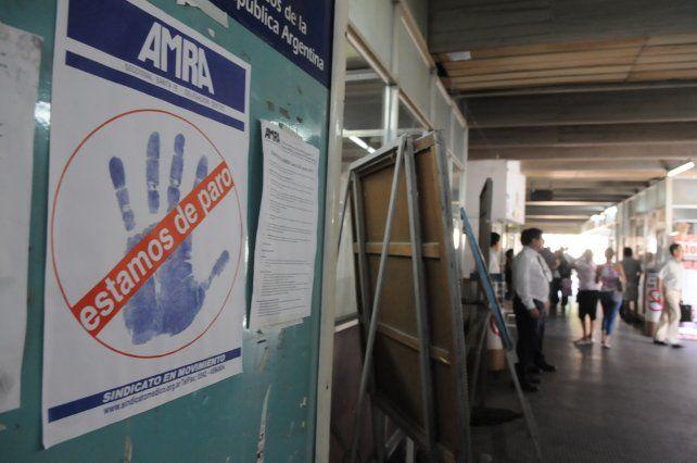 Los médicos nucleados en Amra lanzaron un paro de 48 horas por incumplimientos paritarios