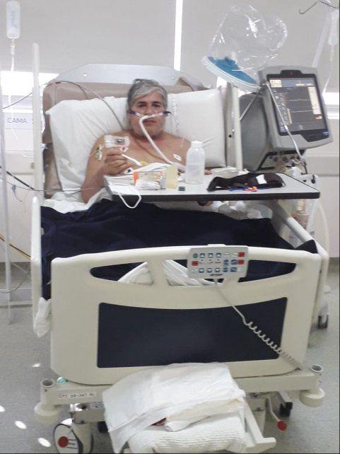 Beto Sosa a horas de tener el alta médica tras estar internado 50 días de los cuales 38 los pasó en la Unidad de Terapia Intensiva (UTI) del Dr Gutiérrez.