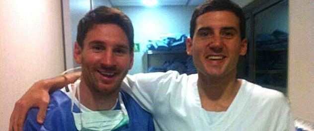 Lionel Messi y la foto que uno de los médicos del hospital Dexeus de Barcelona se encargó de publicar en su cuenta de Facebook luego del parto.