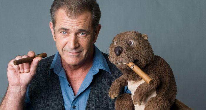 Mel Gibson se pone serio en un filme sobre el poder curativo de la ficción (video trailer)