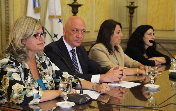 En agenda. Balagué habló de las paritarias durante un acto junto a Bonfatti y Fein que se realizó ayer en Rosario.