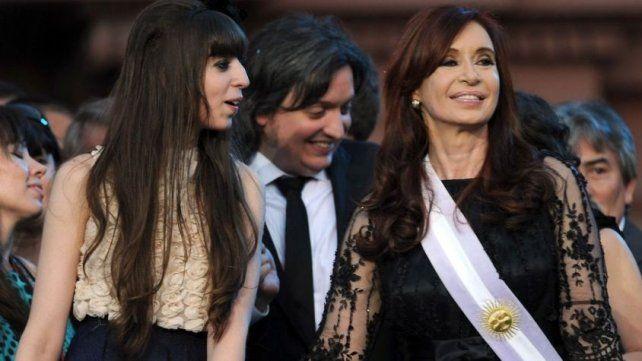 Cristina y sus hijos también sufrieron millonarios embargos.