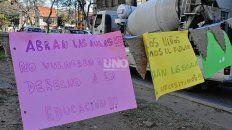 Las actividades de protesta de Padres Organizados incluyeron bocinazos y la colocación de mensajes de parte de los niños en lugares estratégicos de la ciudad.