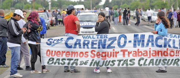 La protesta se desarrolló con cortes intermitentes para divulgar la situación que afecta a los obreros.