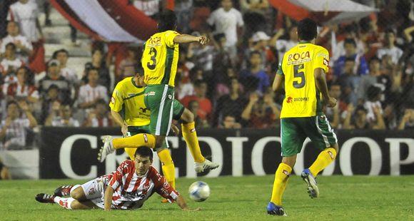 Quilmes despachó 4 a 1 a Aldosivi y aprovechó el traspié canalla para subir al tercer lugar