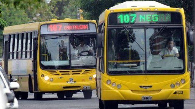 El último episodio de violencia tuvo como blanco un ómnibus de la línea 107.