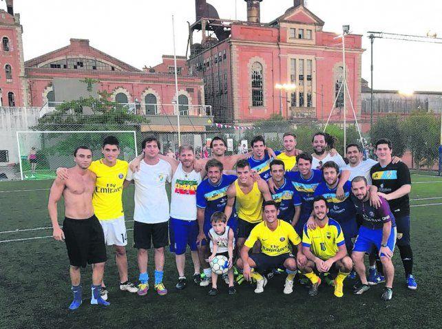 Lo Celso  jugó un picadito con sus amigos en Sorrento