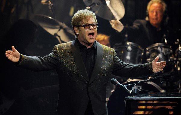 Soy leyenda. Elton John tuvo una carrera exitosa y una vida turbulenta.