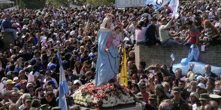 Más de 500 mil fieles veneraron con devoción a la Virgen en San Nicolás