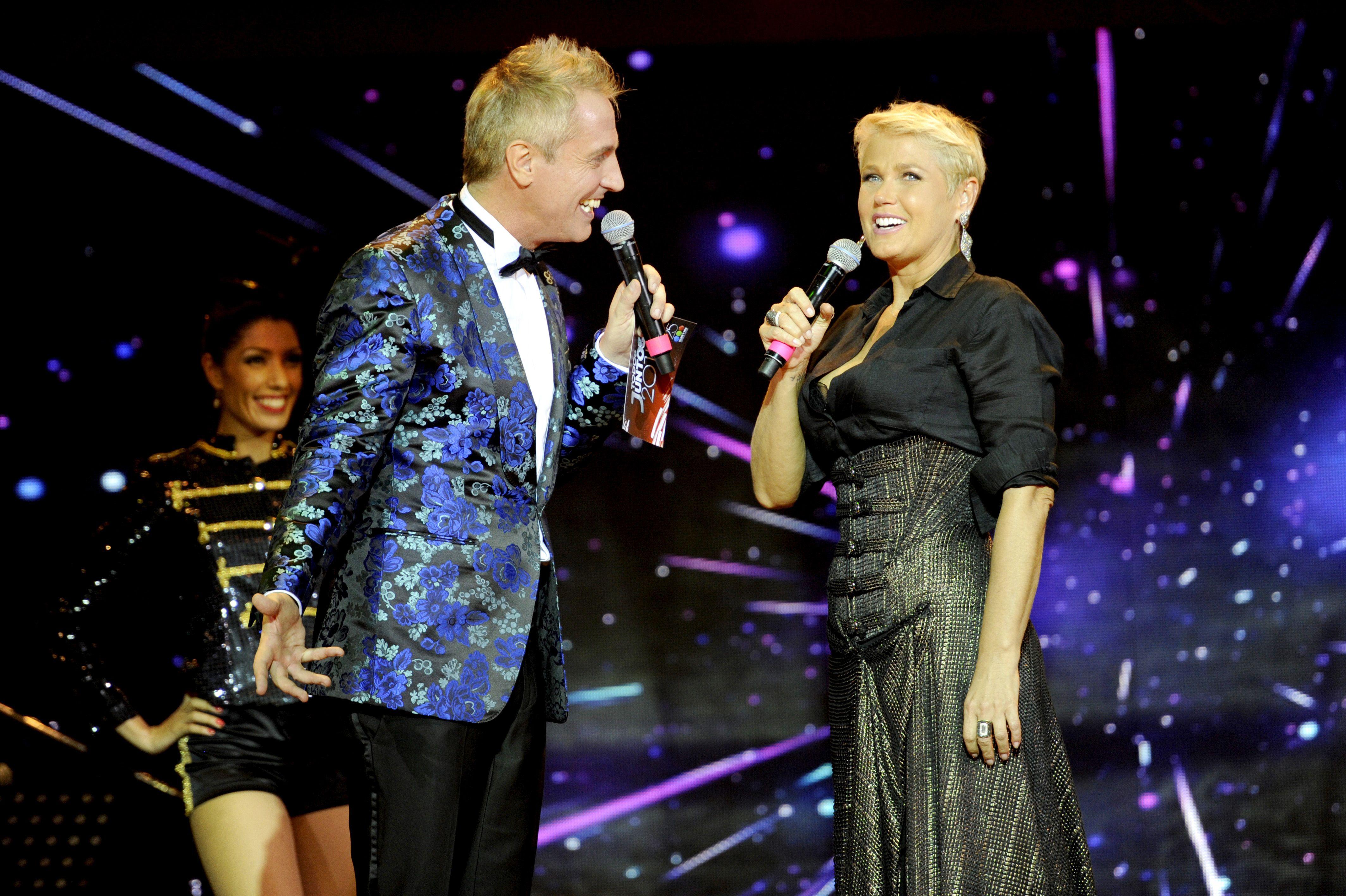 Xuxa deleitó a todos y cantó uno de sus hits televisivos.