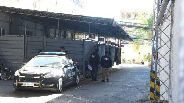 La Policía de Investigaciones en el motel donde se produjo el accidente.