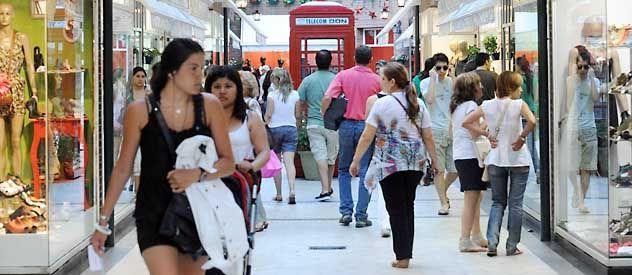 Regalo navideño. Las ventas en diciembre repuntaron aunque las compras se retrasaron respecto de otros años.