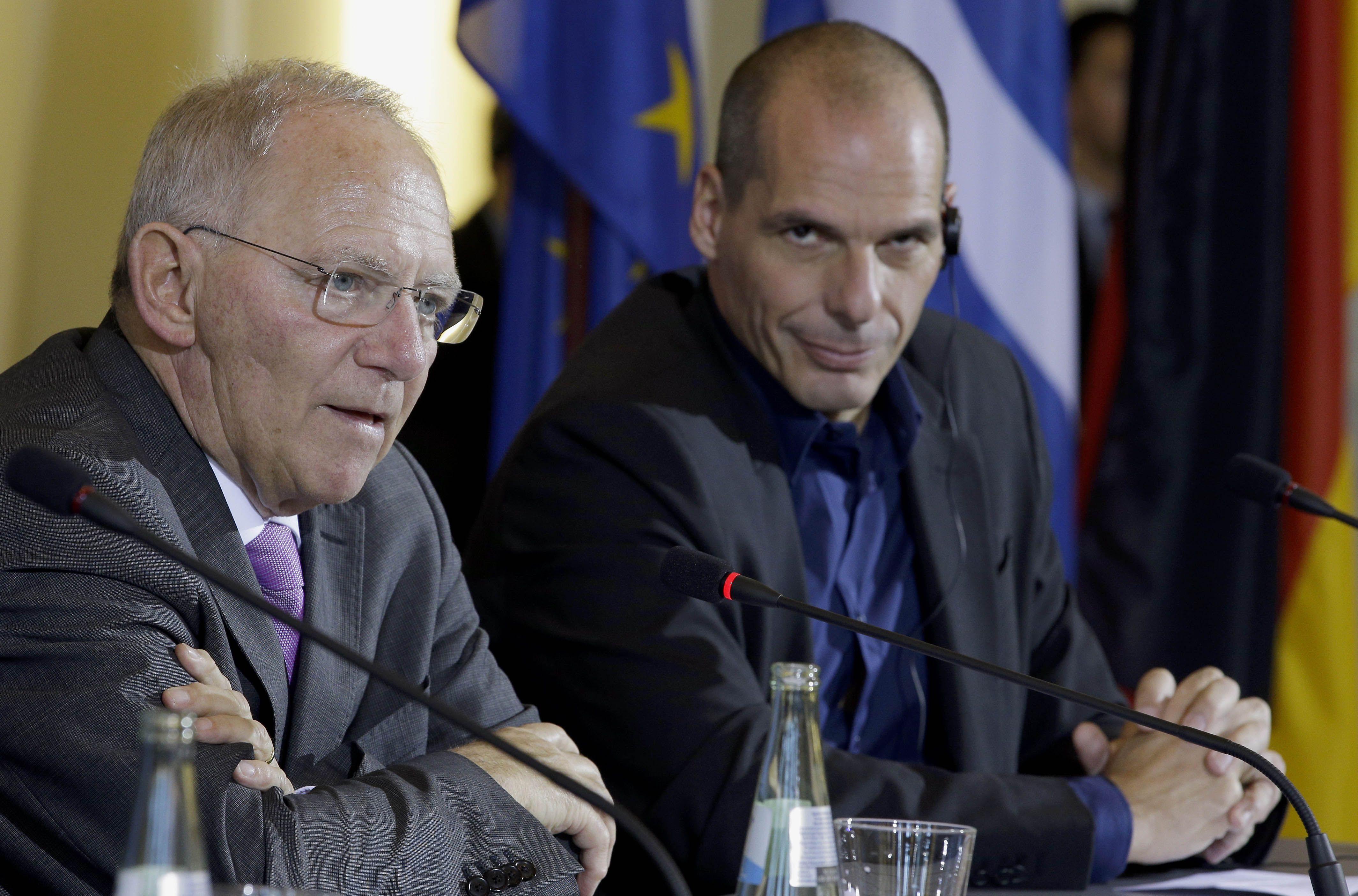 El ministro alemán de Finanzas Schauble con su par griego