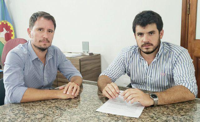 El actual concejal Juan Ignacio Pellegrini junto al intendente Leonel Chiarella buscar hacer una buena elcción.