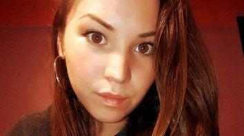 Guadalupe Curual, de 21 años, tenía un hijo y fue asesinada a puñaladas en pleno centro de Villa la Angostura.