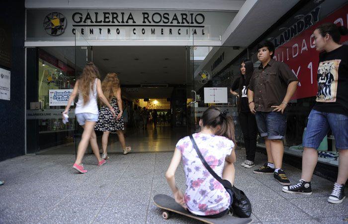 El sorpresivo corte dejó sin luz a los locales comerciales del centro. (Foto:archivo)