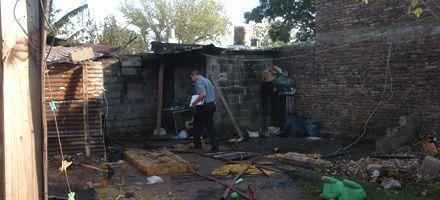 Zona oeste: murió una mujer en un incendio y rescatan a tres chiquitos