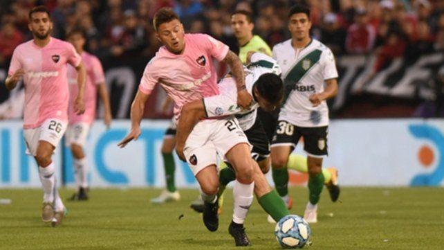 Incidió poco. Denis Rodríguez tuvo un flojo partido y no aportó claridad en ataque.