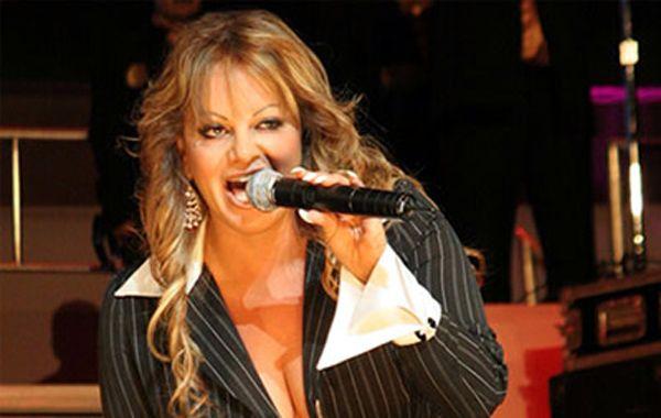 Desapareció en México el avión en el que viajaba la cantante Jenni Rivera