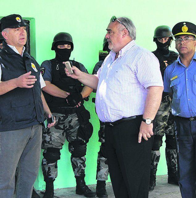 tension. El gobernador Colombi discute con el jefe antidrogas santafesino.