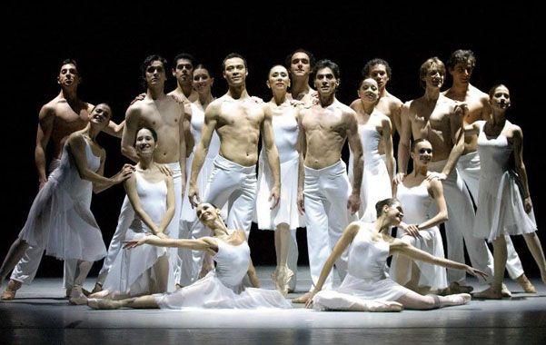 Equipo. El elenco de 36 bailarines llega a Rosario como parte de una gira nacional que luego se extenderá a Paraguay y Omán.